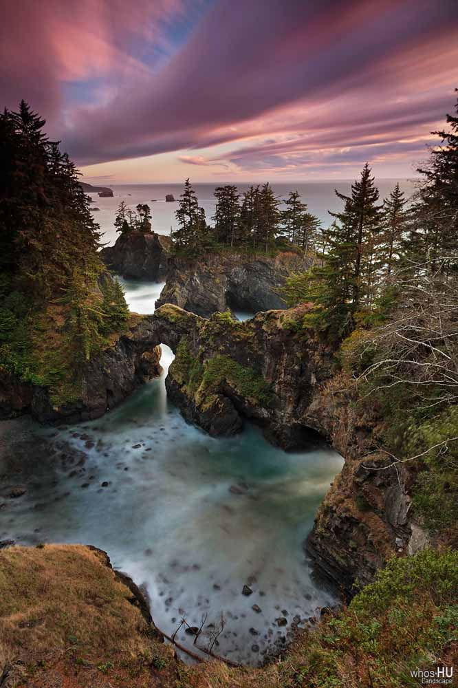 Curry County Arch Rock Natural Bridge, Image Credit WhosHU Landscape