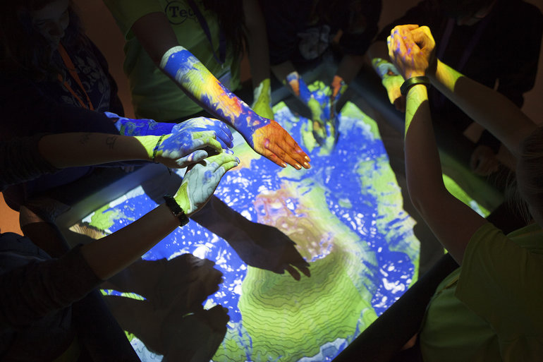 Students experience simulated changes in water levels at the Hatfield Marine Science Center in Newport. (Photos by David Kidd)