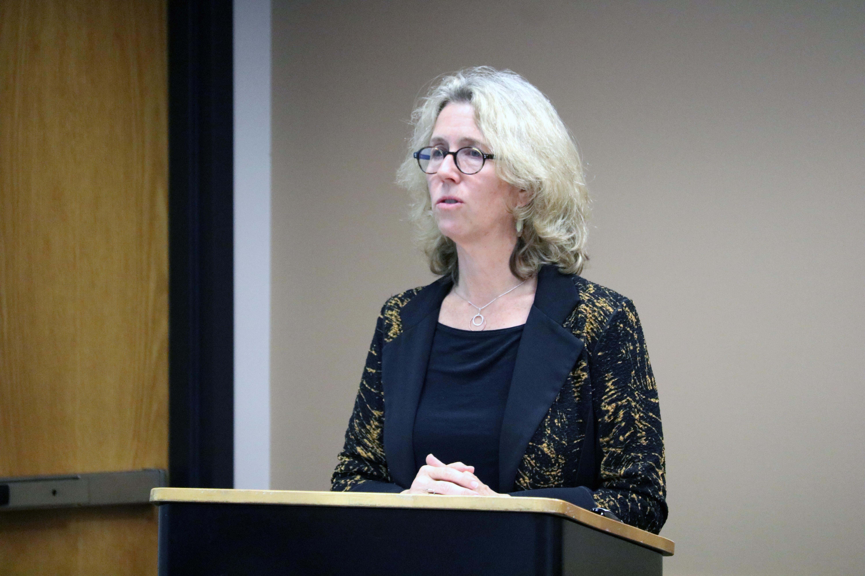 Senator Alissa Keny-Guyer addresses AOC.